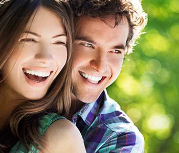 Smile confidently again with cosmetic dentistry options for dental imperfections in Mississauga, ON