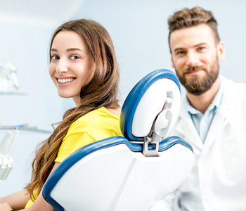 Dentist in Mississauga, ON explains symptoms of TMJ disorder and treatment options